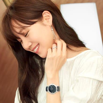 孔曉振佩戴玫瑰金項鏈和鑽石腕錶,綻放璀璨魅力