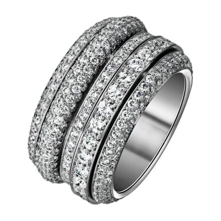 luxury diamond ring piaget
