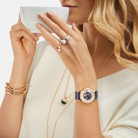 Piaget luxury watch for women and rose gold pendants