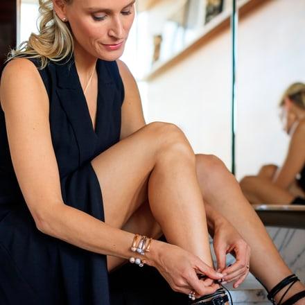 India Weber prête pour la soirée avec les bijoux en diamants Possession