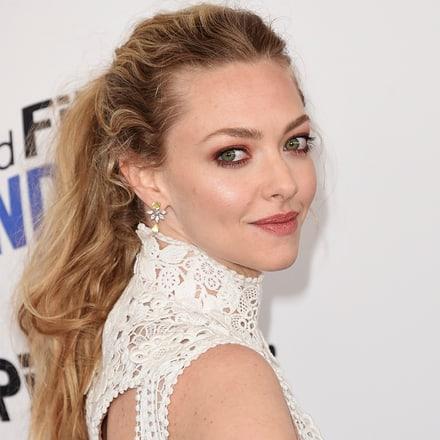 Amanda Seyfried wears Piaget diamond earrings at the Spirit Awards