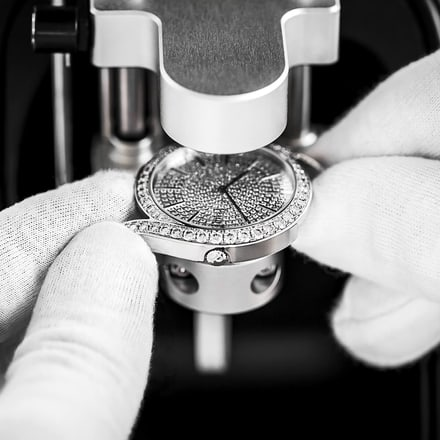 luxury watch water-resistance test