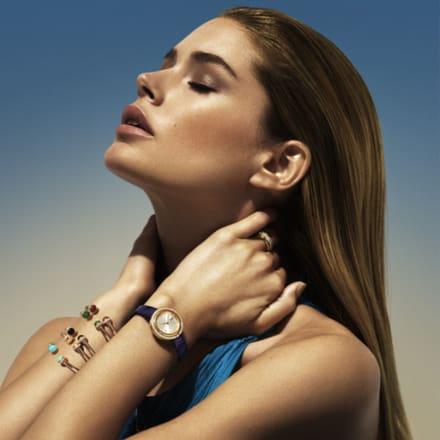 Doutzen Kroes佩戴高級女士腕錶和精品珠寶
