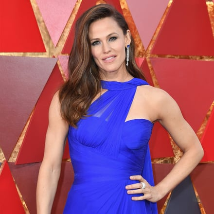 Jennifer Garner wears Piaget diamond ring and earrings at the Oscars