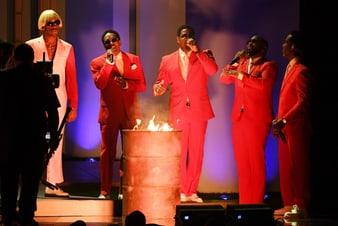 Boyz II Men portait des montres de luxe Piaget aux Grammy Awards2020