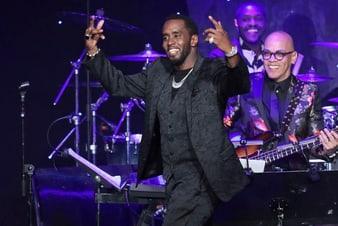 P. Diddy portant une montre en or blanc et diamants Piaget aux Grammy Awards2020