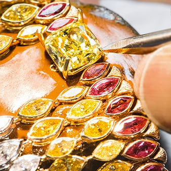 Savoir faire en collares con diamantes