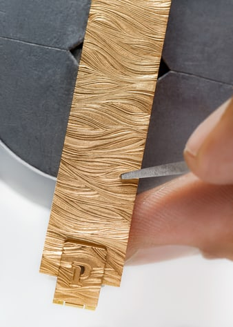 luxury watch: gold craftsmanship