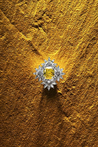 G34HK800 Bague Sunny Side of Life en diamants sertie d'une émeraude jaune