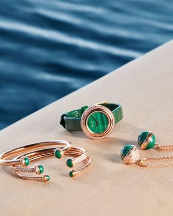 pop up piaget avec bijoux et montres de luxe en or rose et diamant