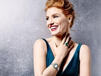 Jessica Chastain佩戴伯爵Sunny Side of Life系列高級珠寶和腕錶