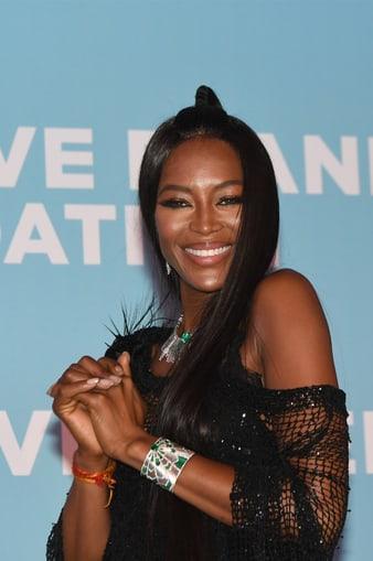 カンヌ国際映画祭でピアジェのブレスレットを身に着けたナオミ・キャンベル