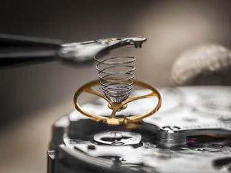 ultraflache Uhr, Schweizer Uhrenmanufaktur