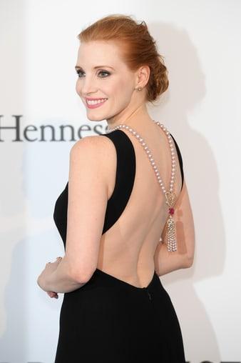 カンヌ国際映画祭でPiaget Roseダイヤモンド、パールネックレスを身に着けたジェシカ・チャステイン